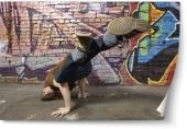Breakdance handstand